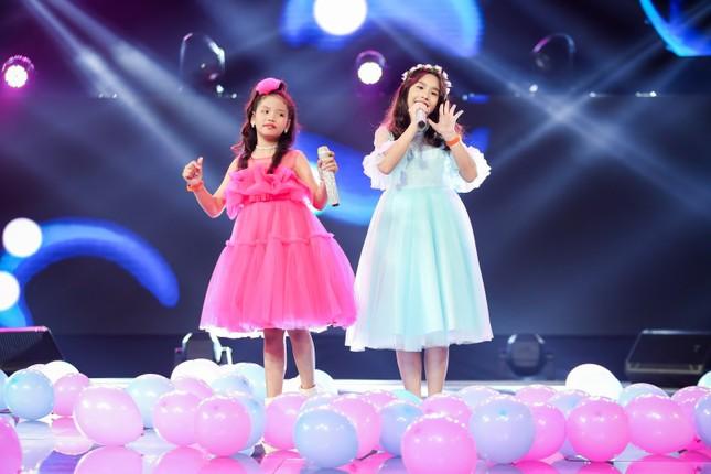 """Giọng hát Việt nhí: Big Daddy - Emily """"khoác áo mới"""" cho loạt hit quen thuộc để các học trò đối đầu ảnh 2"""