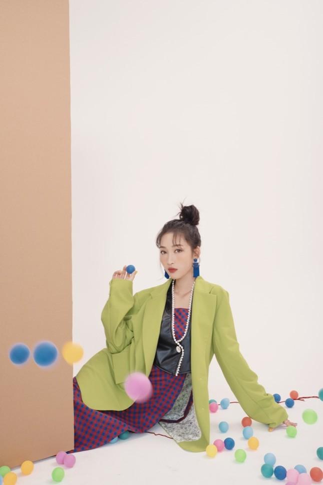 """Juky San tung bộ ảnh mới, hé lộ hậu trường siêu yêu khi quay MV """"Phải chăng em đã yêu"""" ảnh 6"""