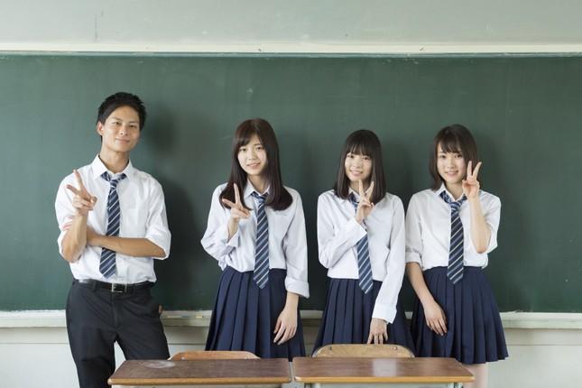 Cấm nhuộm tóc và những nội quy nghiêm ngặt đến khó tin đối với học sinh trung học Nhật Bản ảnh 3