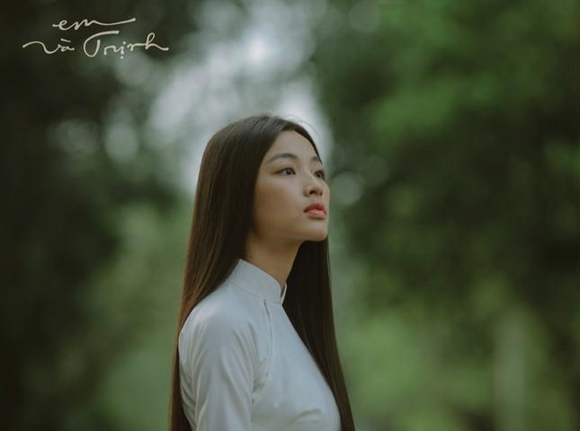 """Nàng Diễm trong phim điện ảnh """"Em và Trịnh"""" đang được nhiều người quan tâm là ai? ảnh 3"""