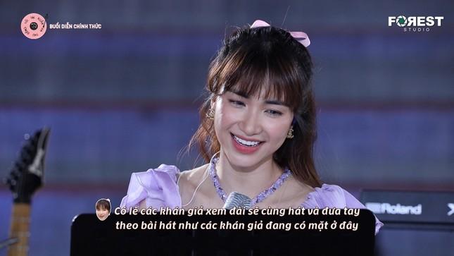 Hòa Minzy - Văn Mai Hương tiếp tục khuấy đảo Top Trending với loạt hit đình đám ảnh 2