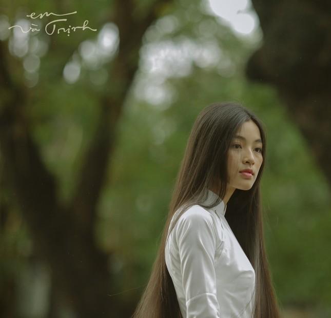 """Nàng Diễm trong phim điện ảnh """"Em và Trịnh"""" đang được nhiều người quan tâm là ai? ảnh 5"""