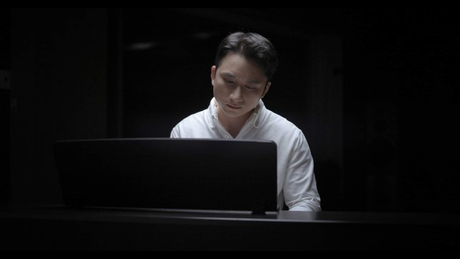 """""""Bố Già"""" tung nhạc phim của Phan Mạnh Quỳnh, khán giả thổn thức vì ca từ đẹp ảnh 1"""