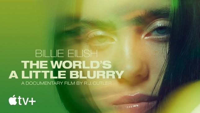 """Hậu Grammys, Billie Eilish """"chơi lớn"""" nhuộm tóc bạch kim để hoàn thành lời hứa với fan ảnh 1"""