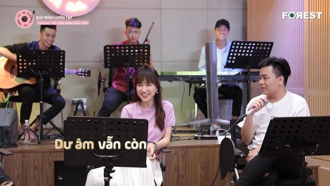 """Uyên Linh """"đốn tim"""" fan với sáng tác ưng ý nhất trong sự nghiệp của Hứa Kim Tuyền ảnh 7"""