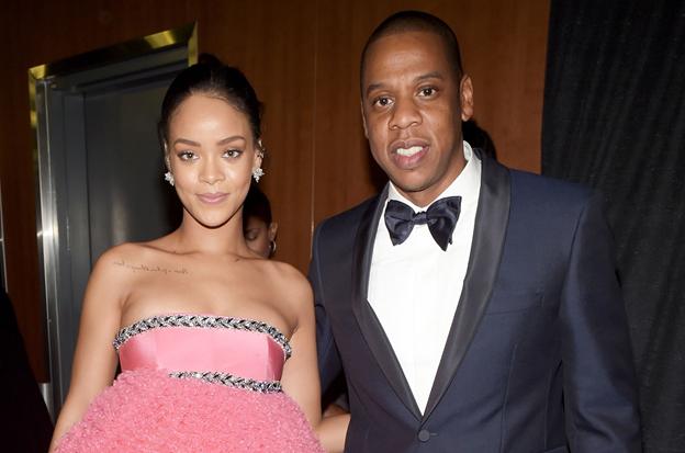 """Sau khi bị chê """"phản cảm"""", Cardi B tuyên bố muốn được giống như thần tượng Rihanna ảnh 1"""