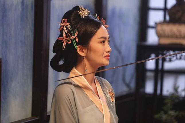 """Denis Đặng, Nguyễn Trần Trung Quân tung phim ngắn âm nhạc đậm màu """"cung đấu"""" ảnh 3"""