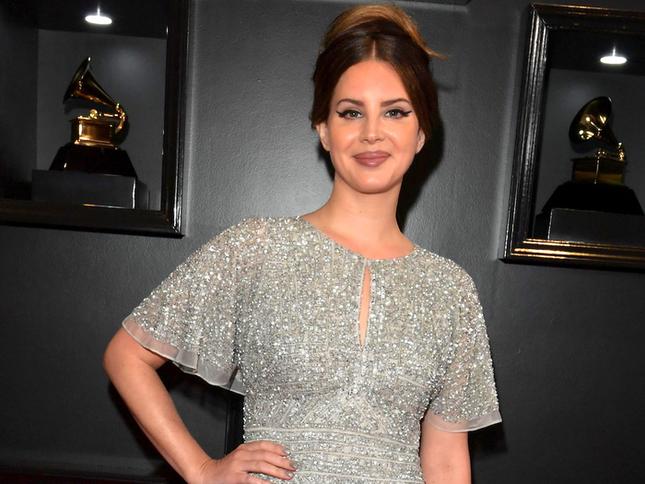 Dù bị Harper's Bazaar dè bỉu, album mới của Lana Del Rey vẫn xưng ngôi vương ảnh 4