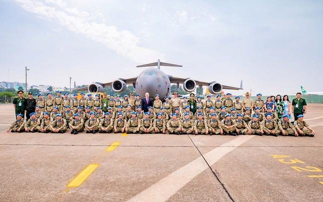 Siêu vận C-17 đưa bệnh viện dã chiến cấp 2 Việt Nam sang Nam Sudan ảnh 3
