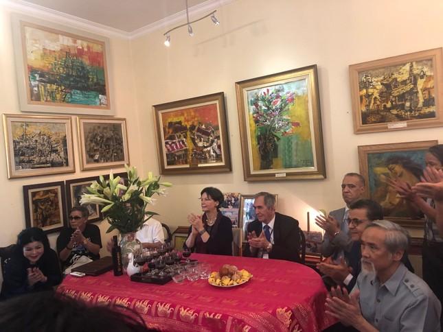 Bộ tranh sơn dầu của danh hoạ Bùi Xuân Phái lần đầu ra mắt khán giả Việt Nam ảnh 2