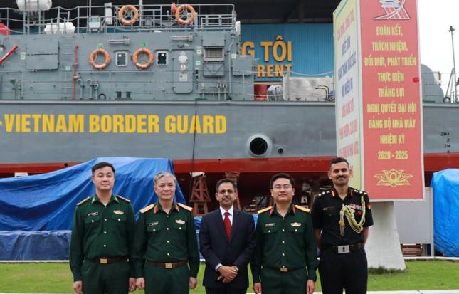 Việt Nam hạ thủy, đặt ky tàu tuần tra theo gói tín dụng quốc phòng Ấn Độ ảnh 1