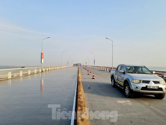 Đổ mẻ bê tông cuối cùng sửa mặt cầu Thăng Long ảnh 13