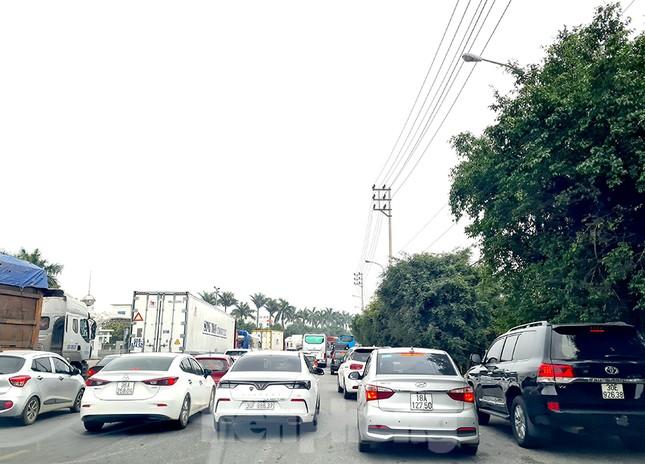 Người dân ùn ùn trở lại Thủ đô sau Tết, cao tốc Pháp Vân tăng nhiệt ảnh 3