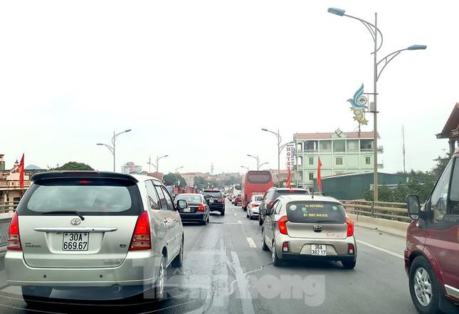 Người dân ùn ùn trở lại Thủ đô sau Tết, cao tốc Pháp Vân tăng nhiệt ảnh 1