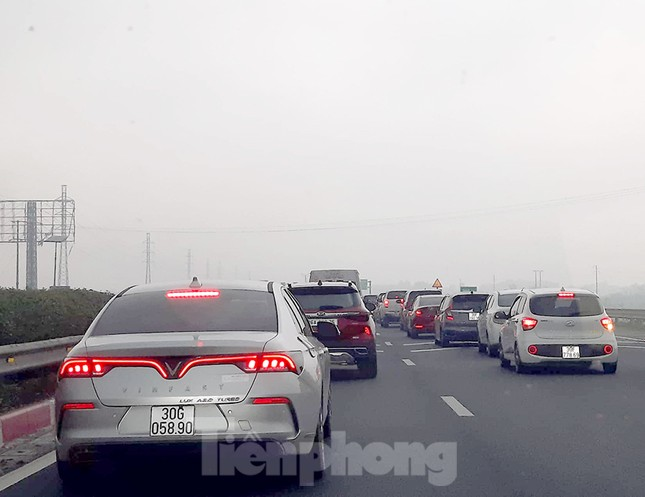 Người dân ùn ùn trở lại Thủ đô sau Tết, cao tốc Pháp Vân tăng nhiệt ảnh 7