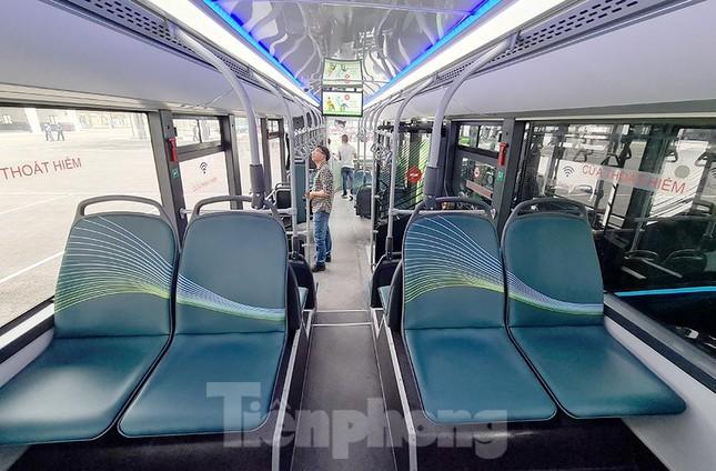 Vận hành tuyến xe buýt điện đầu tiên của Việt Nam ảnh 3