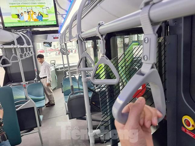 Vận hành tuyến xe buýt điện đầu tiên của Việt Nam ảnh 4