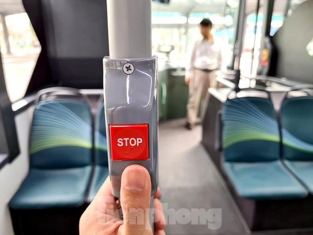 Vận hành tuyến xe buýt điện đầu tiên của Việt Nam ảnh 5