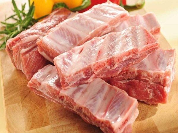 Sườn, thịt lợn có những dấu hiệu này chớ có ăn kẻo 'ân hận mấy cũng muộn' ảnh 2