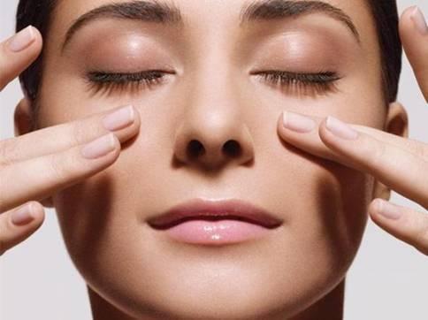 Mắt bị nháy, giật: Dấu hiệu cảnh báo nhiều bệnh nguy hiểm, thậm chí mắt 'chứa' khối u ảnh 3