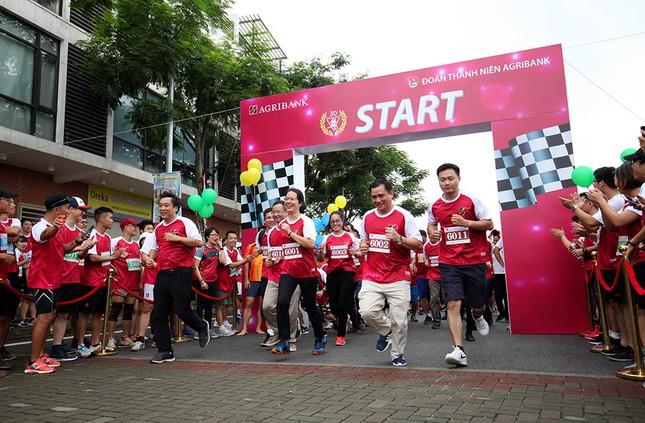 Giải chạy Marathon gây quỹ từ thiện của Đoàn Thanh niên Agribank ảnh 11