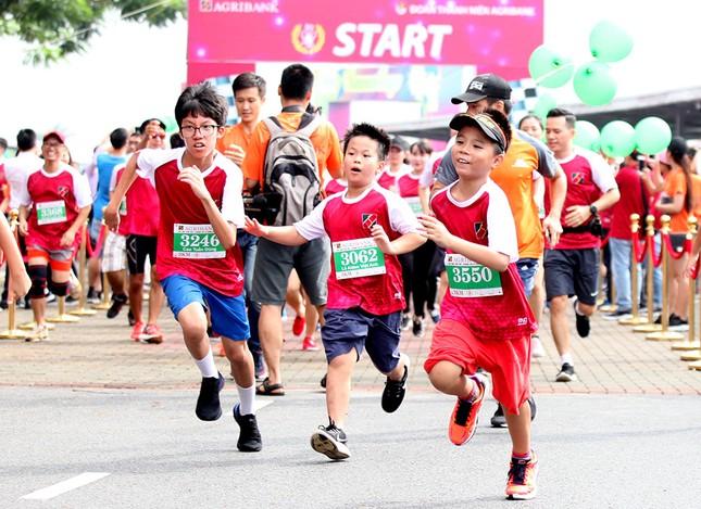 Giải chạy Marathon gây quỹ từ thiện của Đoàn Thanh niên Agribank ảnh 12