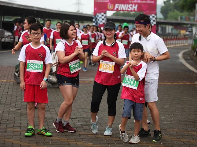 Giải chạy Marathon gây quỹ từ thiện của Đoàn Thanh niên Agribank ảnh 3