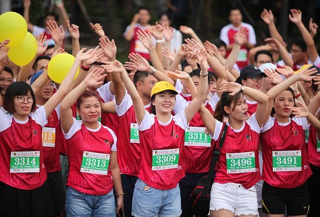 Giải chạy Marathon gây quỹ từ thiện của Đoàn Thanh niên Agribank ảnh 7