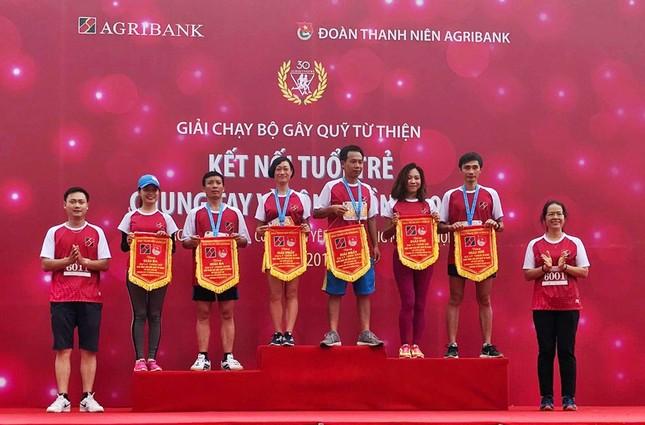 Giải chạy Marathon gây quỹ từ thiện của Đoàn Thanh niên Agribank ảnh 16