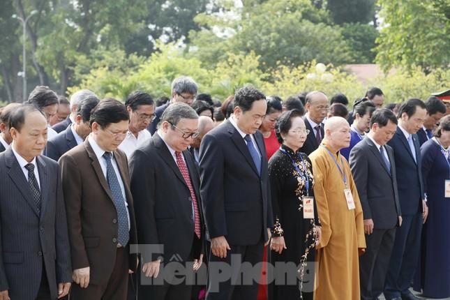 Đoàn đại biểu Mặt trận Tổ quốc Việt Nam vào lăng viếng Bác Hồ ảnh 6