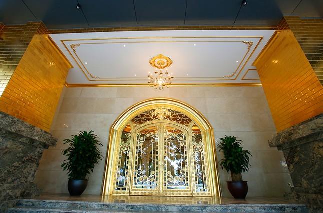 Hà Nội Golden Lake, khách sạn dát vàng có một không hai ảnh 6
