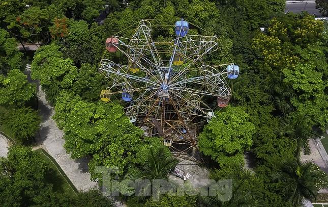Khu vui chơi bị bỏ hoang nhiều năm trong Công viên Tuổi trẻ ảnh 12