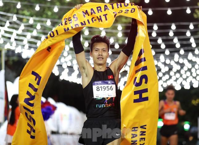 Tìm ra nhà vô địch giải chạy đêm Hanoi Midnight ảnh 14