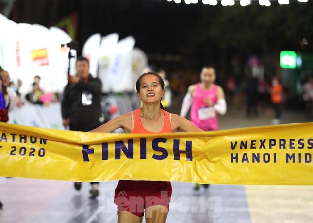 Tìm ra nhà vô địch giải chạy đêm Hanoi Midnight ảnh 17