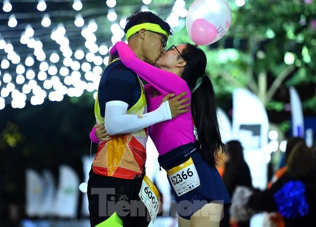 Tìm ra nhà vô địch giải chạy đêm Hanoi Midnight ảnh 8