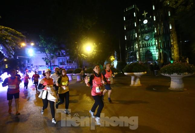 Tìm ra nhà vô địch giải chạy đêm Hanoi Midnight ảnh 10