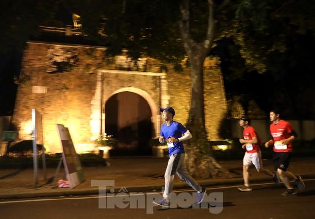 Tìm ra nhà vô địch giải chạy đêm Hanoi Midnight ảnh 9