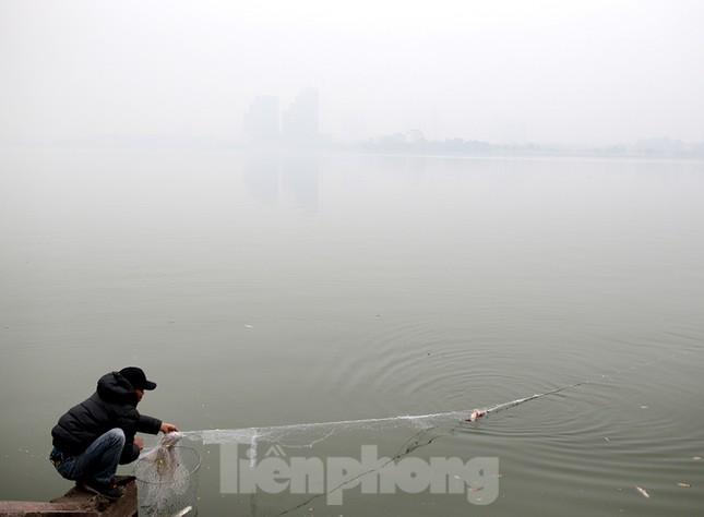 Hà Nội mịt mù trong màn sương dày đặc mỗi sáng ảnh 13