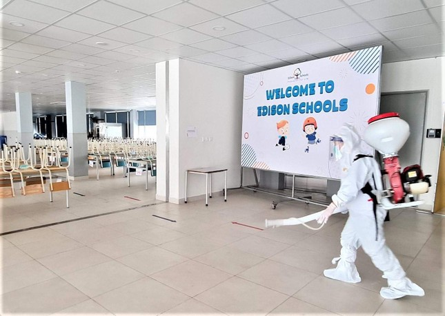 Đón học sinh trở lại, trường học ở Hà Nội trang bị phòng cách ly ảnh 9