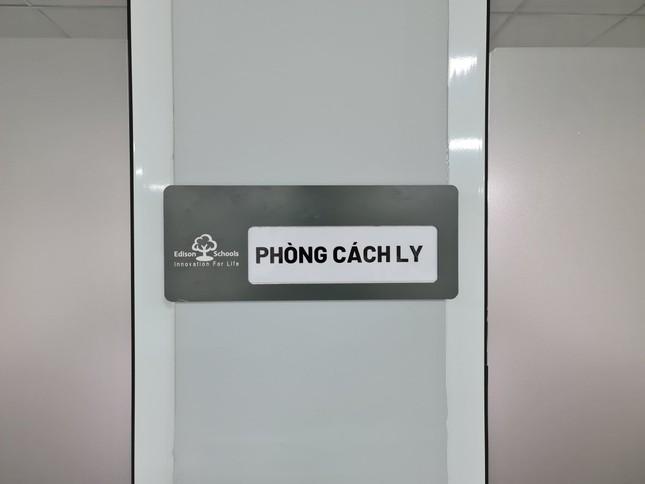 Đón học sinh trở lại, trường học ở Hà Nội trang bị phòng cách ly ảnh 12