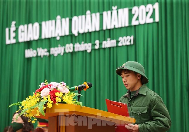 Tân binh huyện Mèo Vạc, Hà Giang xúc động chia tay người thân lên đường nhập ngũ ảnh 10