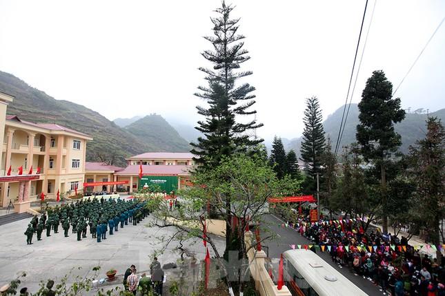 Tân binh huyện Mèo Vạc, Hà Giang xúc động chia tay người thân lên đường nhập ngũ ảnh 14