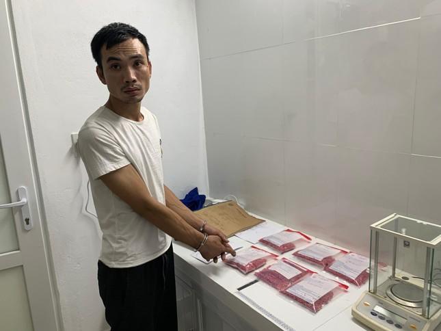 Bắt giữ hàng chục nghìn viên hồng phiến trong nhà trọ ảnh 3