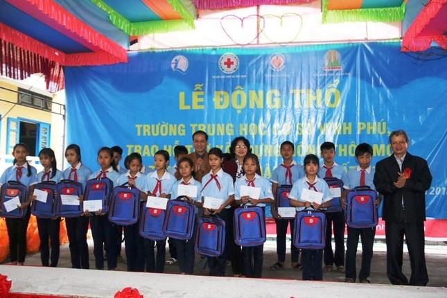 Phó Chủ tịch nước thăm, tặng quà Tết cho người nghèo TT-Huế ảnh 5