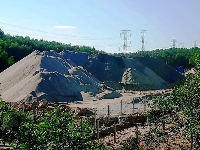 Vụ khám xét trụ sở 'trùm' cát sỏi, vận tải ở Huế: Nghi mua bán hóa đơn trái phép ảnh 2