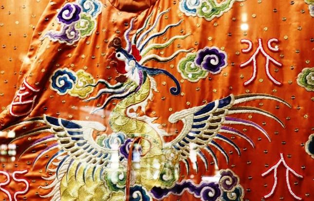 Vào điện Long An, chiêm ngưỡng 'tuyệt phẩm' Long bào triều Nguyễn ảnh 14