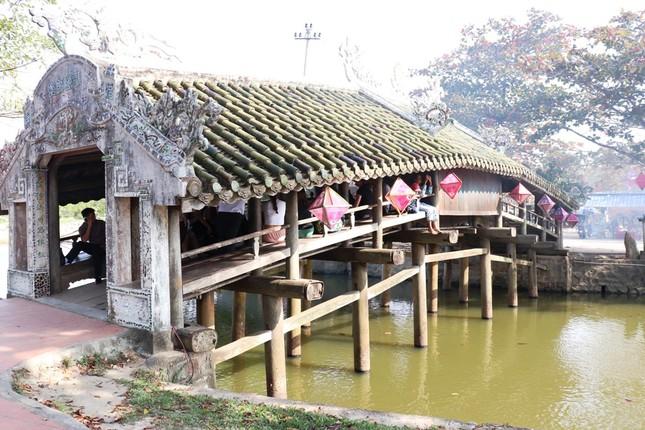 Tận mục 'trận địa' pháo hoa tại di tích Cầu Ngói Thanh Toàn ảnh 2