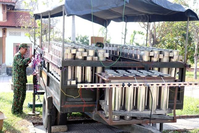 Tận mục 'trận địa' pháo hoa tại di tích Cầu Ngói Thanh Toàn ảnh 4