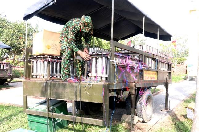 Tận mục 'trận địa' pháo hoa tại di tích Cầu Ngói Thanh Toàn ảnh 8
