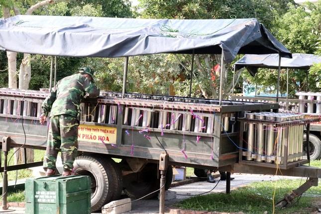 Tận mục 'trận địa' pháo hoa tại di tích Cầu Ngói Thanh Toàn ảnh 9